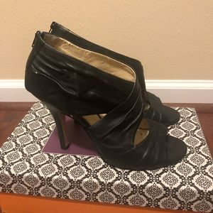 ISOLA black leather pumps size 10